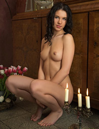 Model mona in candle light