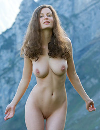 Model susann in mountain high