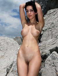 Model vic e in mountains