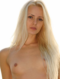 Model vika in searching for the sunset